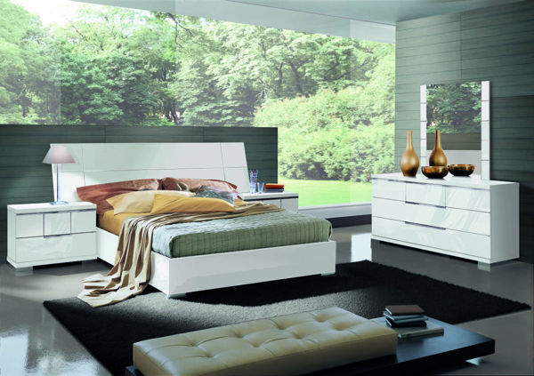 Picture of Asti White High Gloss King Bed