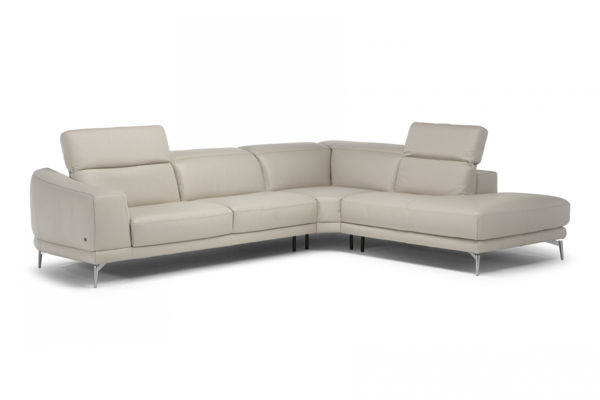 Picture of Natuzzi Italia Brooklyn white Leather Sectional