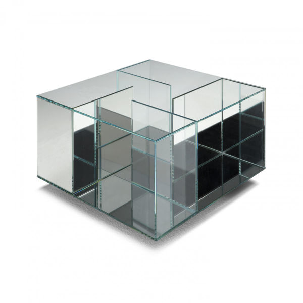 Picture of Natuzzi Italia Labirinto glass accent table in clear glass