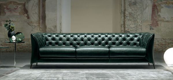 Picture of Natuzzi Italia La Scala, burgandy leather sofa
