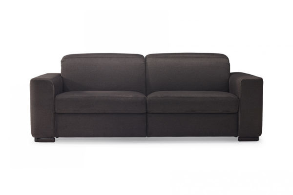 Picture of Natuzzi Italia Diesis, leather Sofa with manual headrest and two electric recliners.
