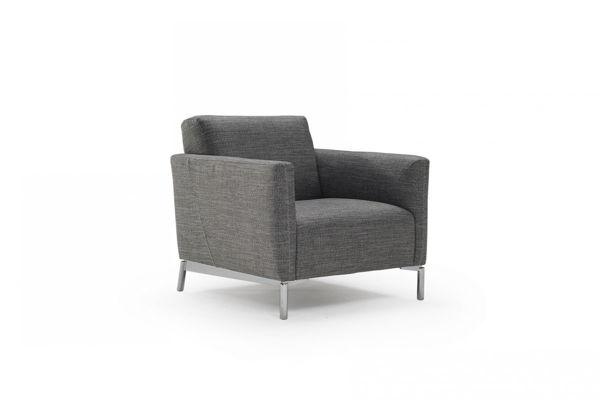 Picture of Natuzzi Italia Tratto white leather chair